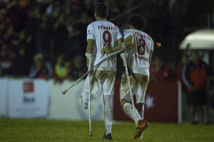 Ampute Futbol Milli Takımı dünya ikincisi oldu! Kaptan Osman Çakmak'ın gözyaşları...