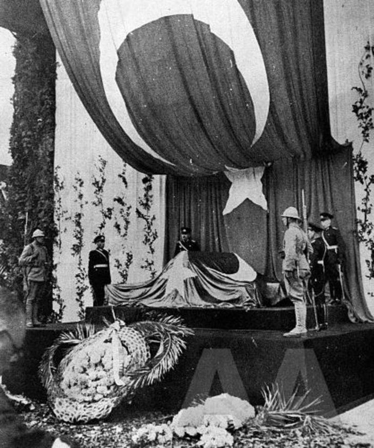 Atatürk'ün son vedasının ağlatan hikayesi