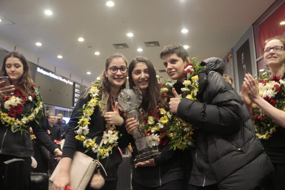 Dünya Şampiyonu Vakıfbank Takımı, yurda döndü