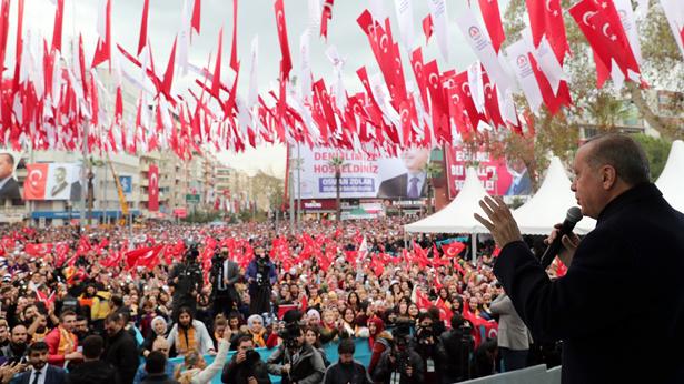 Erdoğan'dan sert tepki: Ahlaksıza bak! Bu ne terbiyesizliktir