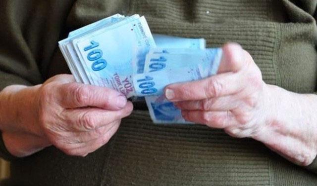 Emekli olacaklar dikkat yeni yılda 20 bin liranız havaya uçabilir
