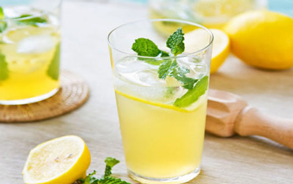 Düzenli olarak limonlu su içmenin hiç bilmediğiniz faydaları