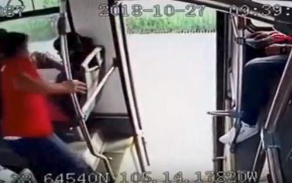 Hırsıza otobüste tekme tokat dayak kamerada