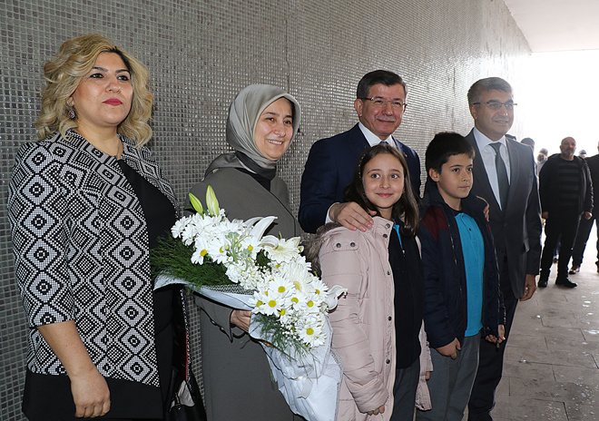 AK Parti seçime kilitlenirken Ahmet Davutoğlu bakın nerede ortaya çıktı!
