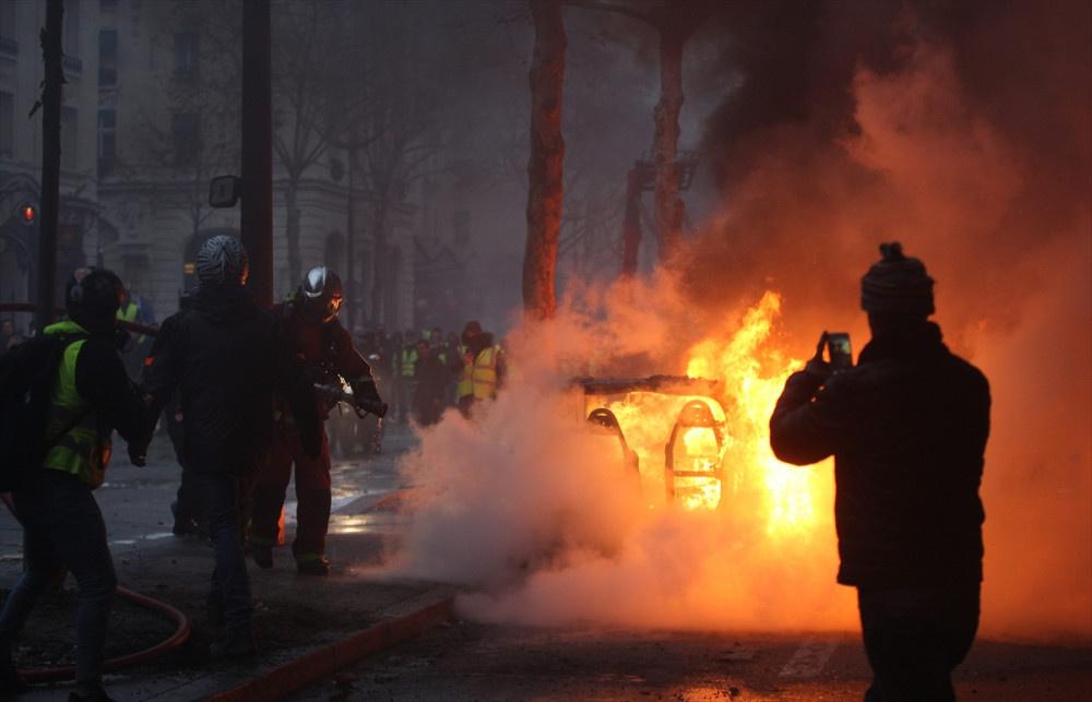 Fransa büyük eyleme hazırlanıyor! 90 bin polis sokağa inecek