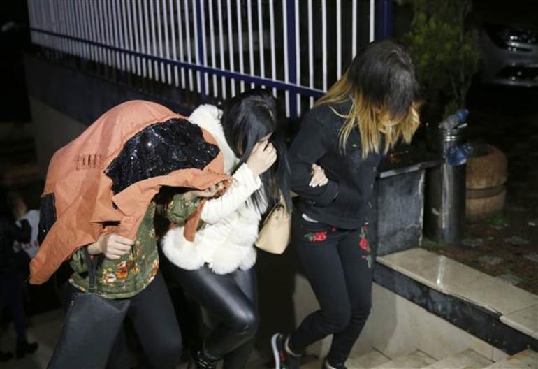 İstanbul'da fuhuş baskını! 10 otel 23 gece klubü...