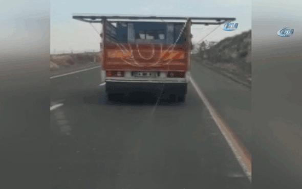 Kamyonet'in tehlikeli yolculuğu kameralara böyle yansıdı