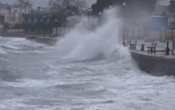 Lodos dev dalgalar oluşturdu