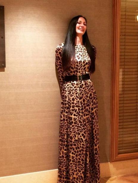 Görenlerin ağzı açık kalıyor! İşte Rusya'nın en uzun boylu kadını