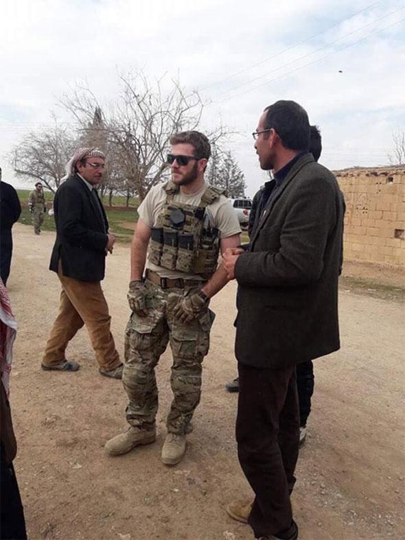 ABD askeri korudu, Esed izin verdi bin 500 terörist Afrin'e girdi!