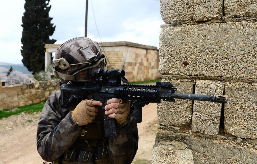 JÖH ve PÖH Afrin'de sahaya indi! İşte o anlar...