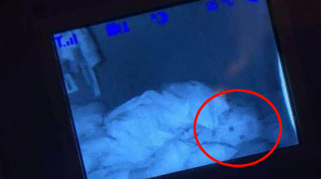 Bebeğinin odasında gördükleri karşısında küçük dilini yuttu!