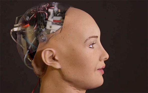 Bahçeli'nin tepki gösterdiği robotun tasarımcısı konuştu