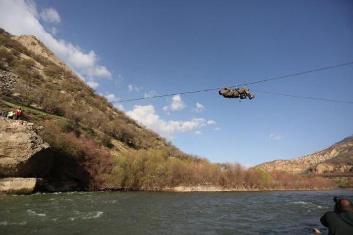 İşte İran'da düşen uçağın ilk görüntüleri