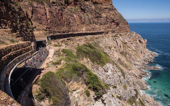 Güney Afrika'da Felaket Turu! Zincirleme Kaza, Fırtına, 3 can kaybı…