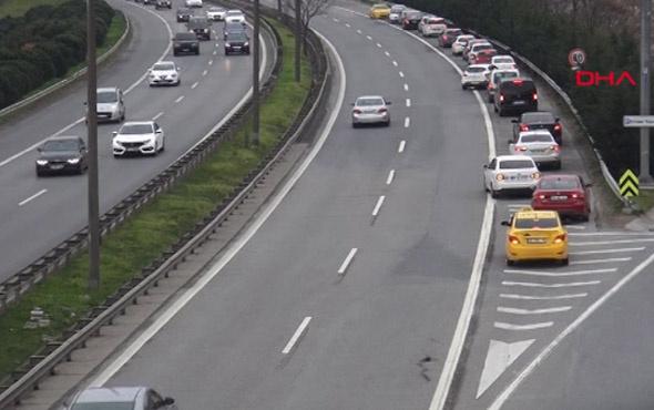 İstanbul trafiğinde tuhaf görüntü... Emniyet şeridinde ters konvoy!