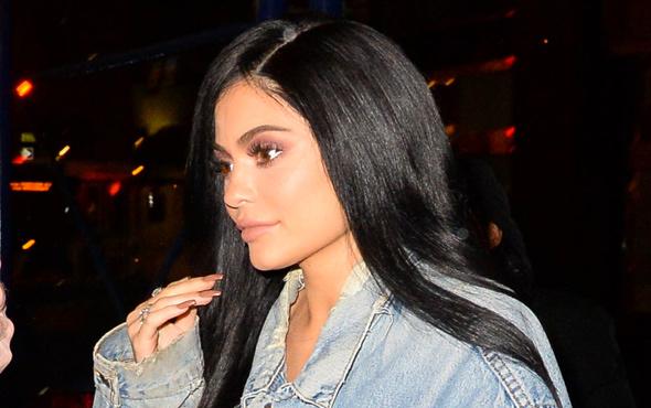 Kylie Jenner'dan kızıyla ilk selfie