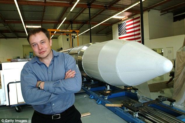 'Elon Musk'ın babası, üvey kızından çocuk sahibi oldu'