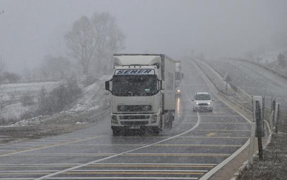 İstanbul'un yanıbaşına kar yağıyor! İstanbul'a da kar yağacak mı?