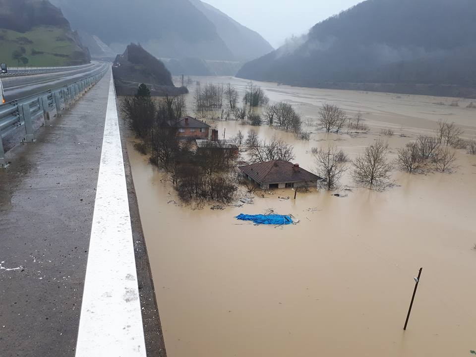 Bartın sular altında 300 kişiye ulaşılamıyor!