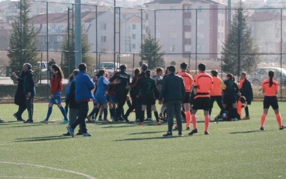 Eskişehir'de erkek antrenör kadın futbolcuyu darp etti