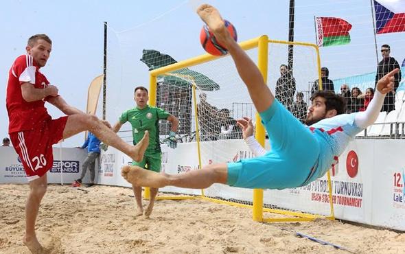 13. Lale Festivali'nde plaj futbolu heyecanı başladı