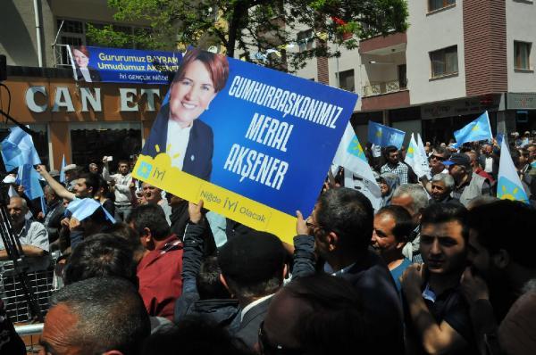 Meral Akşener: 'Jiletle kazıyamayacaklar beni'