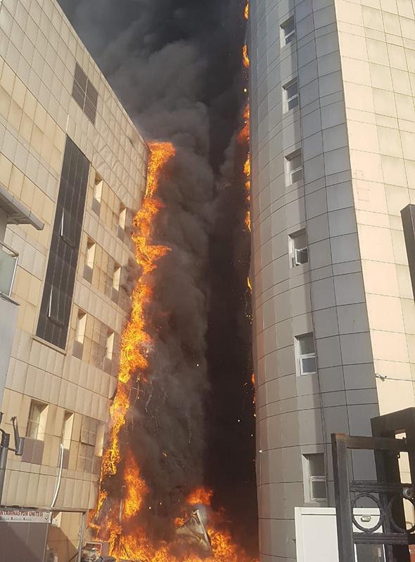 Ä°stanbul´daki hastanede korkunç yangın! Ä°lk görüntüler