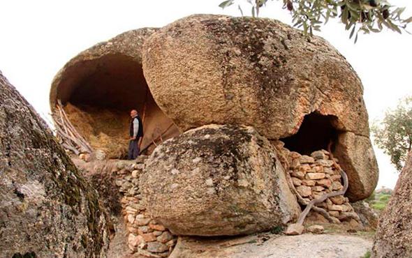 Latmos'ta yeni kaya resimleri bulundu