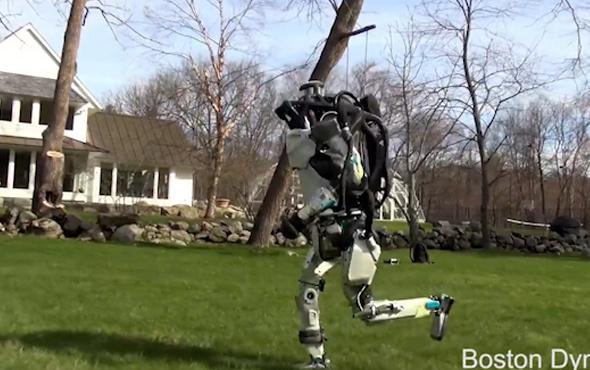 ABD'li şirketin ürettiği insansı robot doğada koşabiliyor
