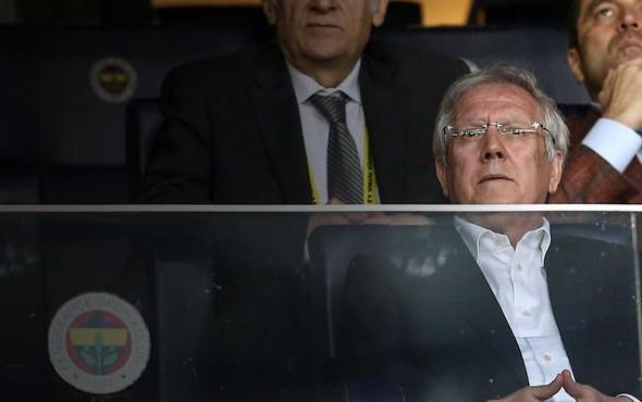 Aziz Yıldırım Galatasaray formasına 2. yıldızı taktı!