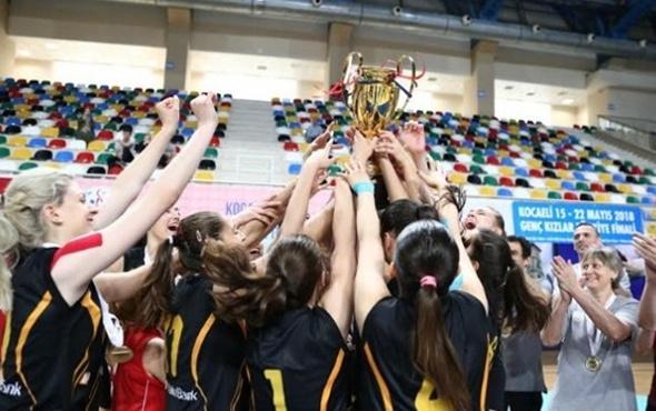 VakıfBank gençlerde namağlup şampiyon
