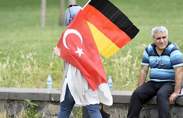 Almanya vatandaşlığına geçişte Türkler rekor kırdı