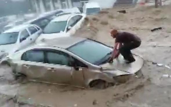 Ankara'da sel felaketi araç üzerinde can pazarı