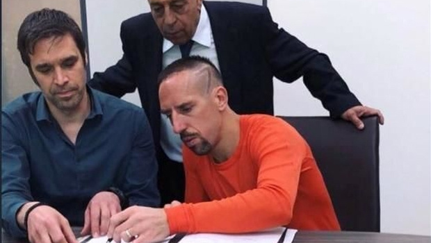 Franck Ribery 1 yıl daha Bayern Münih'te