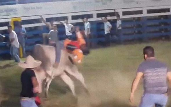 Boğanın altında kalan rodeocu feci şekilde can verdi!
