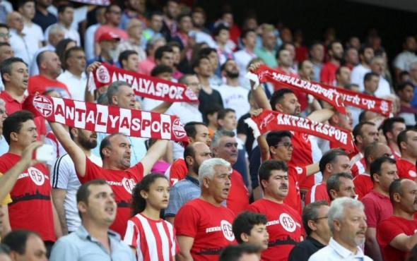 Antalyaspor'da siyasi marş tartışması