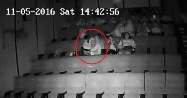 Evli öğretmenle öğrencisinin yasak aşkı sinemada ifşa oldu