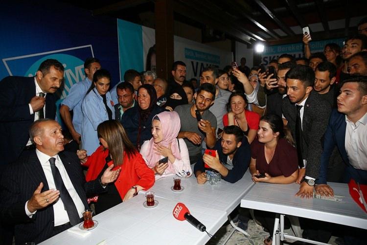 Cumhurbaşkanı Erdoğan'dan 'kıraathane' ziyareti