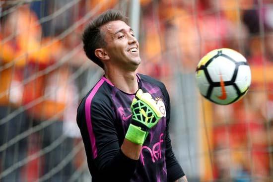 Galatasaray'da şoke eden Muslera kararı