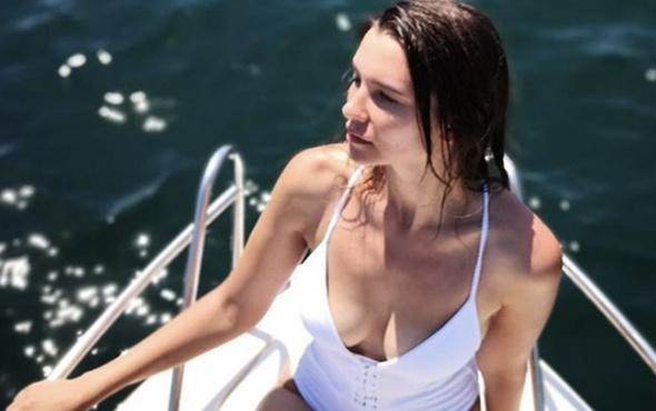 Leyla Lydia Tuğutlu kimdir kaç yaşında aslen nereli beyaz bikini şov!