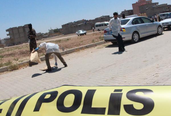 Suruç'ta 4 çuval oy pusulası ele geçirildi! Gözaltılar var