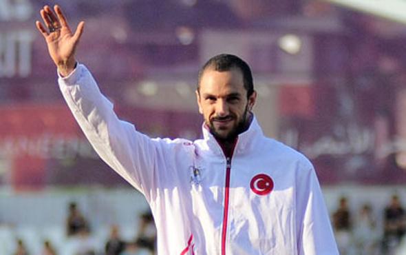 Ramil Guliyev'den altın madalya