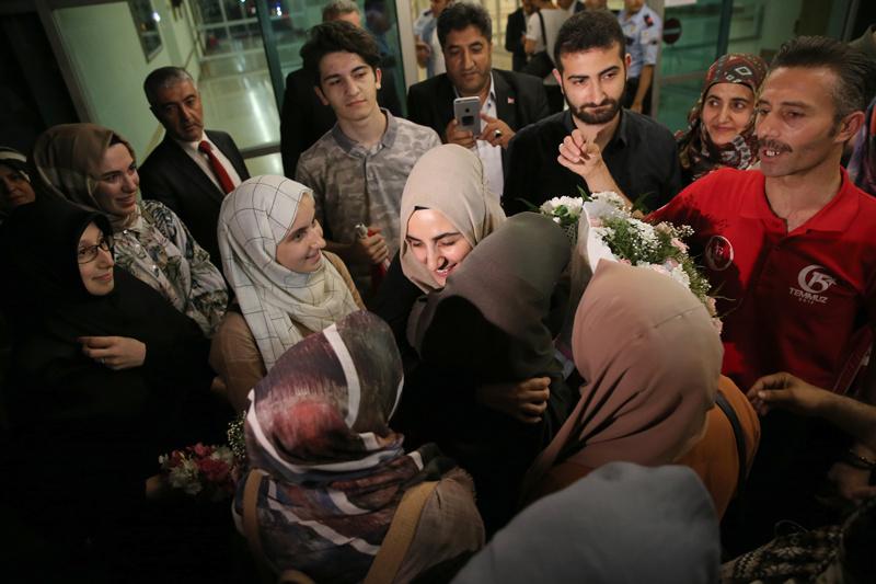 İsrail'de tutuklanan Ebru Özkan yurda döndü!
