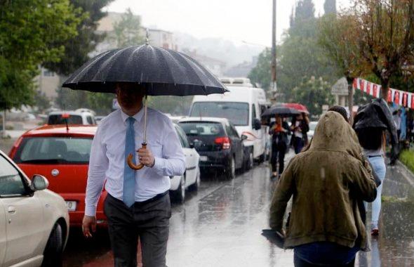 Yağmur hayatı felç etti! İstanbul'a geliyor