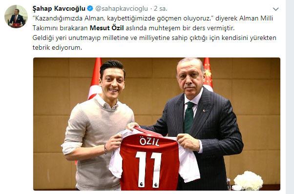 Mesut Özil'e ünlülerden destek yağdı