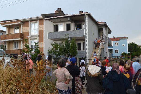 Edirne'de eve yıldırım düştü gören gözlerine inanamadı!