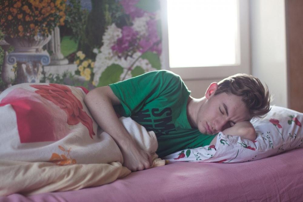 Bel ağrınızın sebebi uyku şekliniz olabilir!