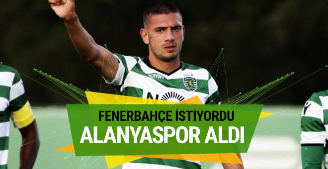 Alanyaspor Fenerbahçe'nin istediği Merih Demiral'i kiraladı