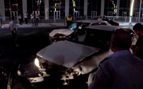 Kırmızı ışık ihlali yapan sürücü, ortalığı savaş alanına çevirip kaçtı